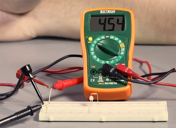 Image of How to Measure Voltage in a Circuit
